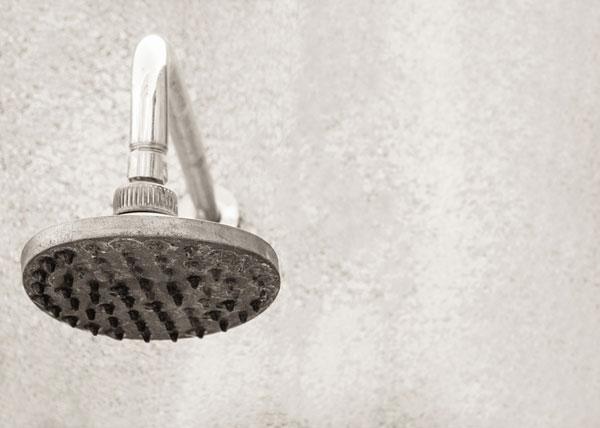 เคล็ดลับง่ายๆ ทำความสะอาดหัวฝักบัวอาบน้ำ ไร้คราบฝั่งแน่น