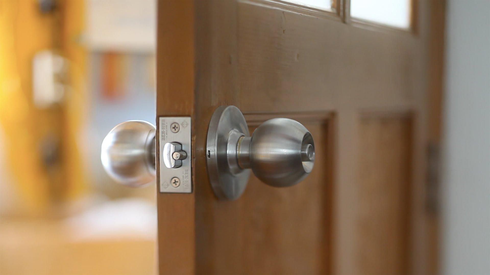 เคล็ดลับการเลือกลูกบิดประตูและแก้ปัญหาการเปิดประตูในเวลาฉุกเฉิน