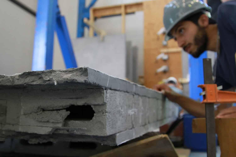 คอนกรีตเสริมไฟเบอร์ทางเลือกใหม่ของวัสดุก่อสร้างมีความแข็งแรงและยืดหยุ่นสูง