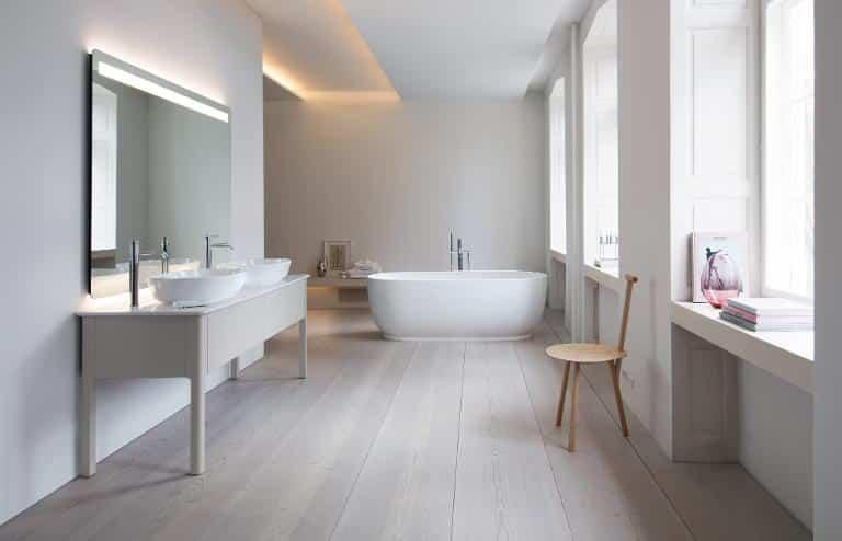 พื้นกระเบื้องถือว่าเป็นเรื่องที่สำคัญเหมือนที่เราจะต้องใส่ใจในรายละเอียดเล็กๆน้อย โดยห้องน้ำนั้นก็ถือว่าเป็นอีกห้องที่สามารถปรับเปลี่ยนให้ดูสวยขึ้น