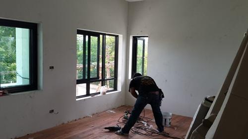 บริการติดตั้งประตูหน้าต่าง TOSTEM โดยดรีมเวอร์คส์ พลัส