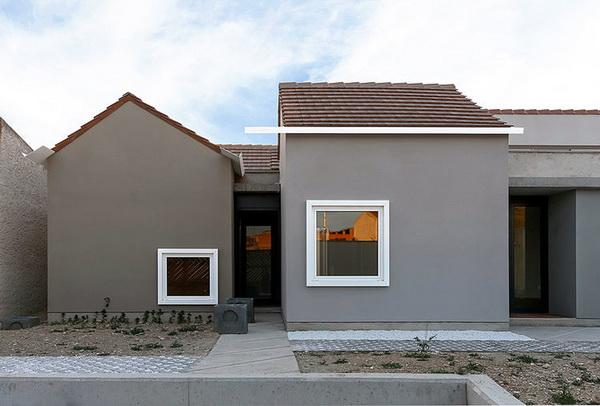 sergio sebastián's 'house บ้านรูปแบบใหม่สำหรับพื้นที่ใกล้ทะเลทราย