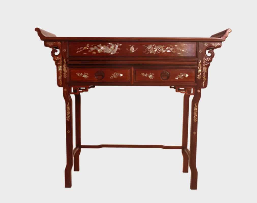 โต๊ะไหว้เจ้าหรือโต๊ะไหว้บรรพบุรุษ