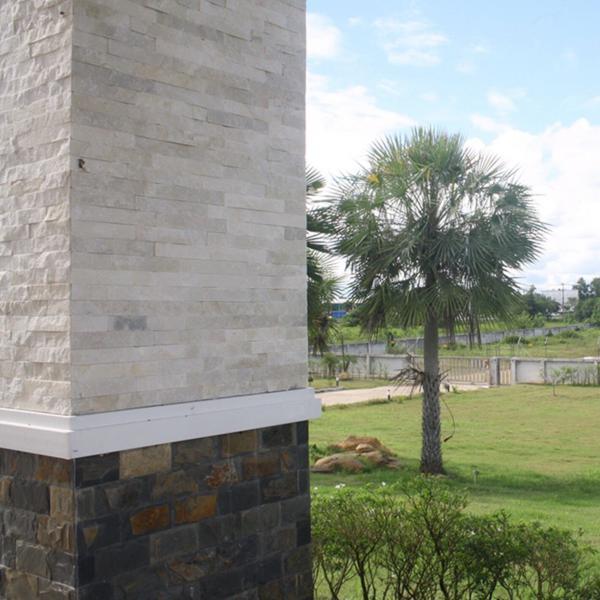 หินตกแต่งผนัง ควอตไซต์ เพียวไวท์ Pure White Quartzite 6x20 ซม.