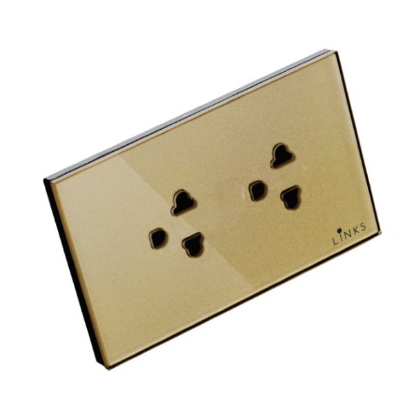 เต้ารับกราวด์คู่ 3 ขา 2 ช่อง ม่านนิรภัย กรอบกระจกสีทอง 2x4 นิ้ว