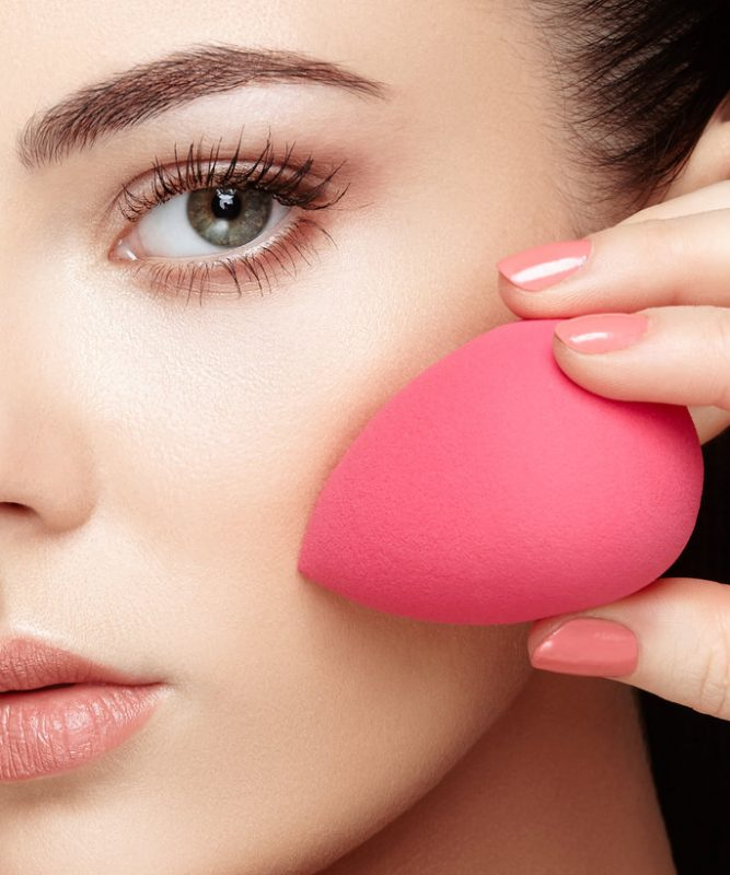 This image has an empty alt attribute; its file name is 050616-beauty-sponge-LEAD-667x800.jpg