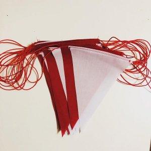 ธงราวสีขาวสลับแดง ยาว 50 เมตร
