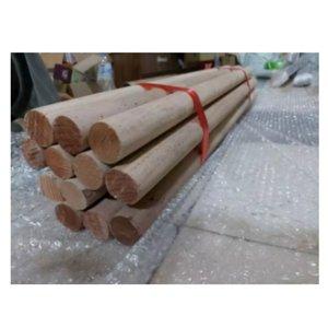 ไม้กลึงกลม ขนาดความโต ประมาน 3.3-3.4ซม ยาว1.2ม. ทำจากไม้เนื้อแข็งคุณภาพดี
